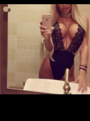 Girl Escort Cleo & Call Girl in Liverpool